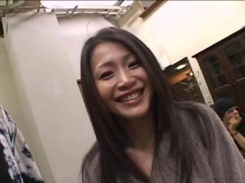 激しいセックスが大好きな友田真希が緊縛プレイで興奮して潮吹きしてるjyukujo40