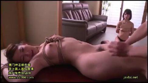 美人な女教師の姉妹が生徒に脅されながら淫乱に調教されていく熟女セックス動画