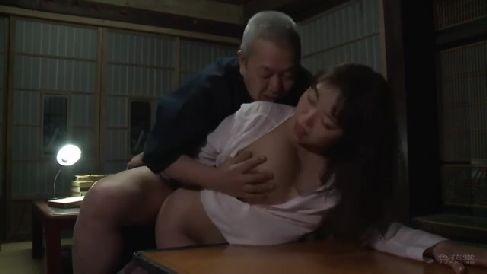 性欲のまま夫以外の他人棒を求め淫乱に悶えるヘンリー塚本の熟女セックス動画