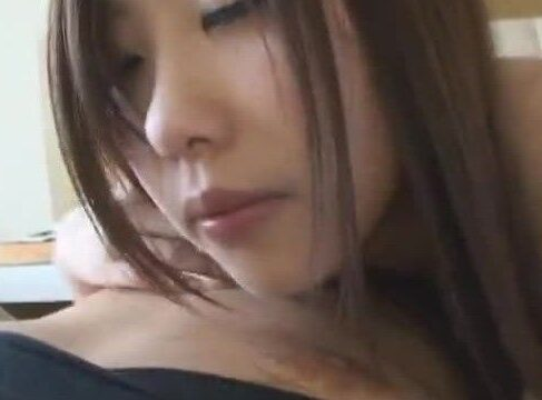 美人な若妻が夫の居ない間に不倫男とイチャイチャハメ撮りしていく熟年女性動画