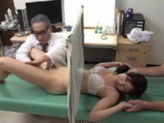 巨乳な可愛い若妻が精子提供をする悪徳医者に寝取られていく熟年女性動画