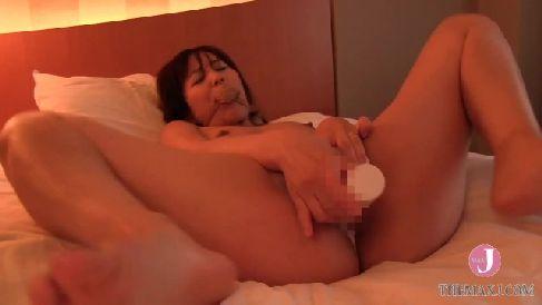 レイプ願望のある変態な三十路妻が体をビクビクと痙攣させながら何度も昇天していく熟女動画