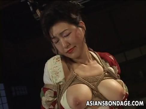 熟年女優の里中亜矢子がSMプレイ!60代とは思えない美貌と巨乳孰ボディが素敵なjyukujo動画画像無料